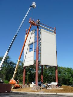 Large pylon sign installation